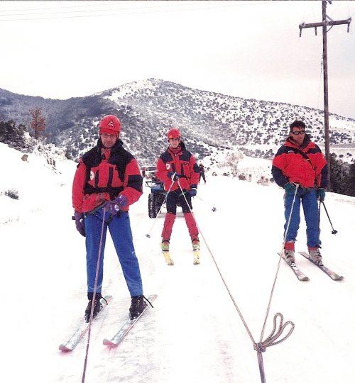 1999-01-31 Άσκηση της ΕΟΔ στο Χορτιάτη. Ανάβαση με ορειβατικά σκι και τα ερπυστριοφόρα της ΕΟΔ